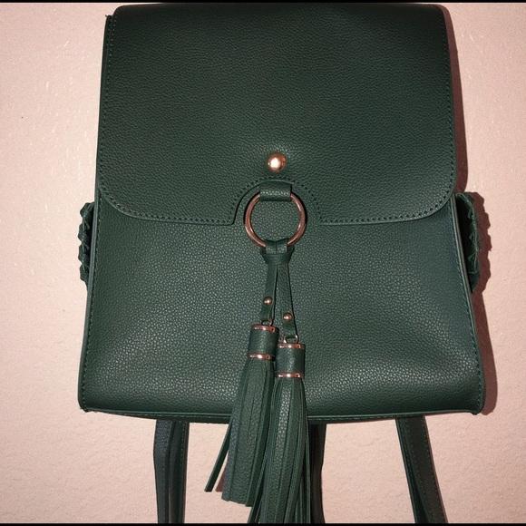 Handbags - A green small stylish mini backpack